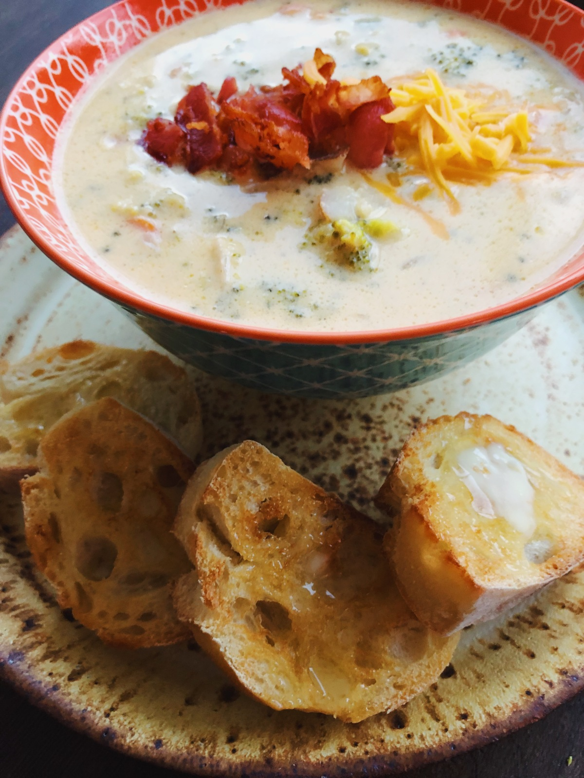 Hearty Cheesy BroccoliSoup